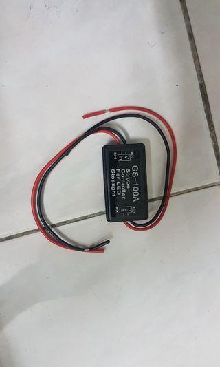 Strobe light controller