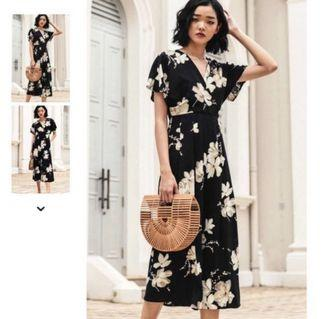 FASHMOB FLORAL JUMPSUIT IN BLACK