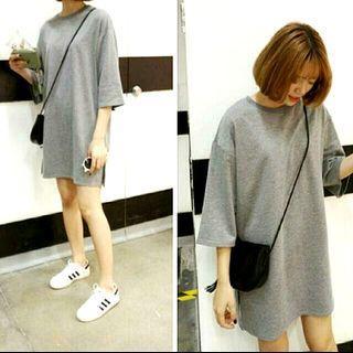 Soft gray sweatshirt / kaos loose abu