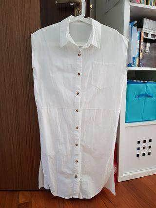🚚 White botton dress