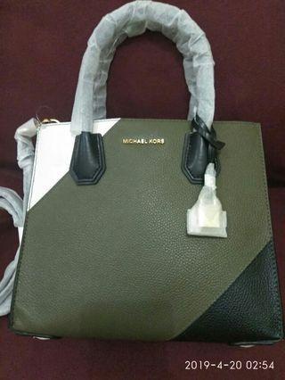Michael Kors Bag small Mercer logo tritone