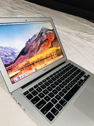 Macbook Air 13inch core i5 4gb ram 128gb ssd good for autocad photoshop rendering video editing etc.