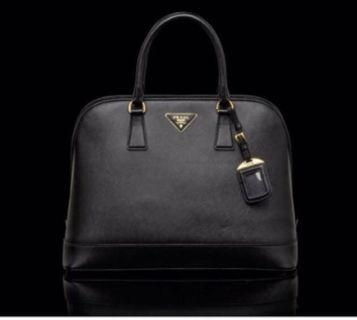 73cd6259550c 100% authentic Brand NEW Prada Saffiano leather tote bag 👜