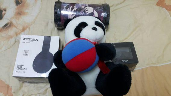 super rush rush!!!Wireless bluetooth speaker (big)(small)( headphone)and panda bear!!