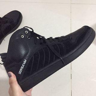 Sepatu basket supra black
