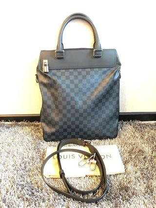 🚚 💯 authentic LV Damier Cobalt Greenwich Tote Bag.