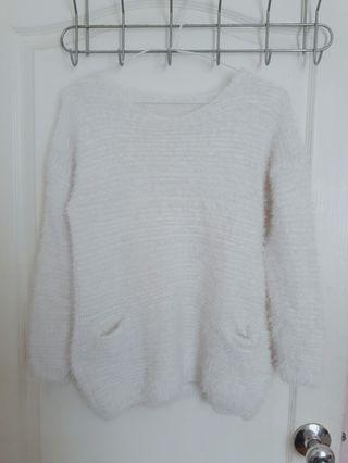 白色毛衣#半價衣服拍賣會