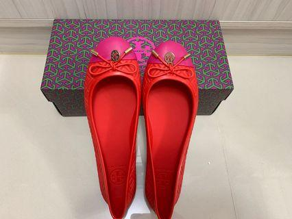 🚚 tory burch防水塑膠材質娃娃鞋