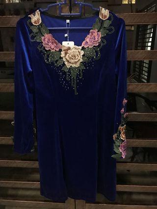 LONGSLEEVE TRADITIONAL STYLE DRESS