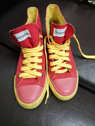 🚚 內增高 帆布鞋  鮮豔搶眼紅黃配色