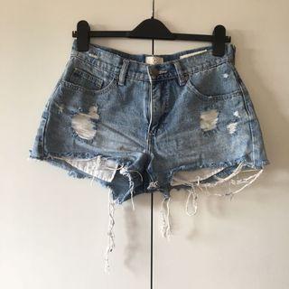 size 10 distressed blue denim shorts