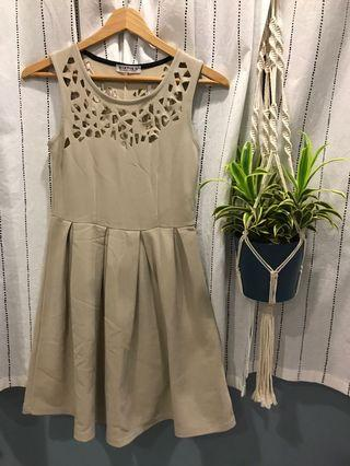 🚚 Khaki Lace Cut-Out Dress