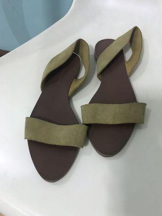 de494df9c15d Zara suede flat sandals