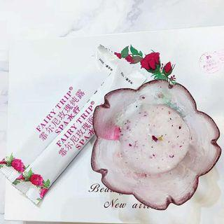 🚚 Fairy Trip Spa Mask / Bulgarian Rose with fresh petals