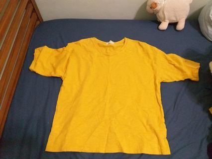 薑黃色寬鬆上衣