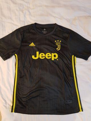 🚚 Juventus 18/19 jersey adidas