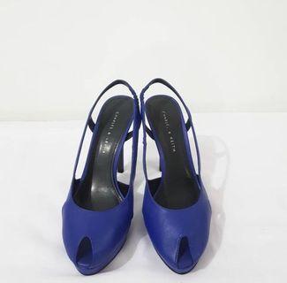 Heels charles&keith biru