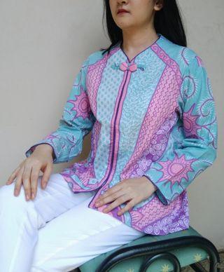 Kemeja batik pastel