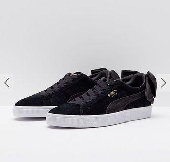 BNIB Puma women's suede bow sneakers in black