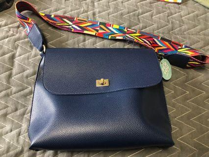 Purse with large lot of beauty samples