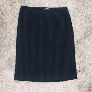 全新playlord skirt in black 黑色西裝半截裙