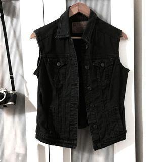 Sleeveless Black Denim Jacket