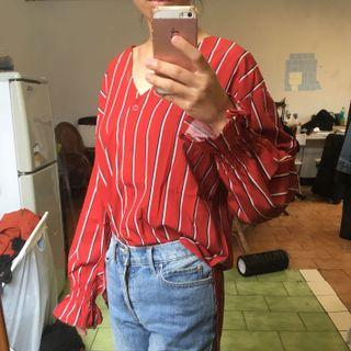 🚚 紅色條紋糖果袖V領襯衫