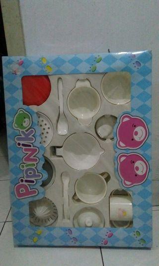 Pipinko Feeding Set