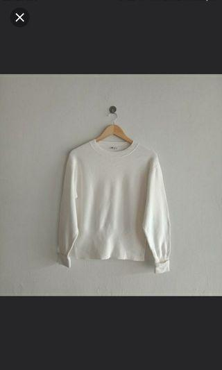 White Knitted Wear