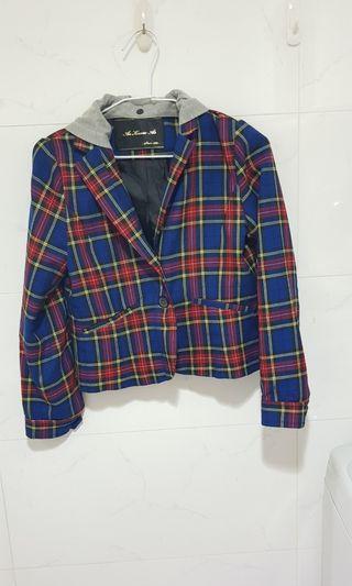 🚚 【#半價衣服拍賣會】復古又新潮的短版西裝外套