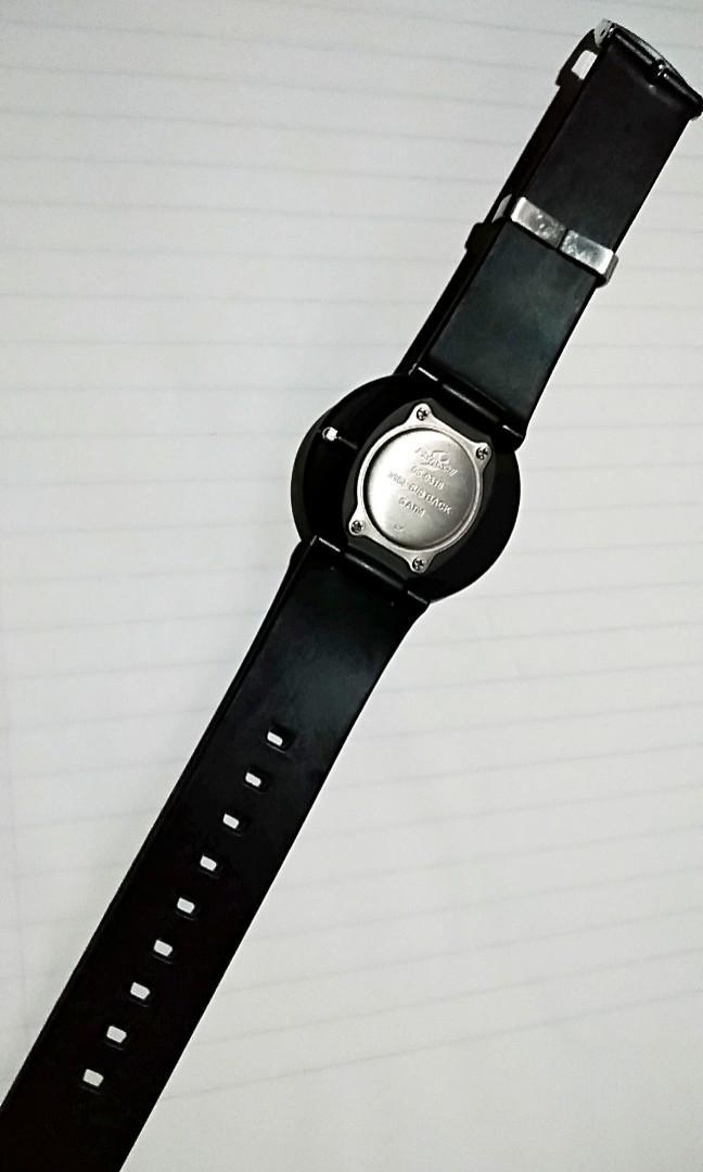 """香港時間廊80年代""""初期之手錶品牌SMASHI電子手錶""""直徑37mm""""防水50M""""保存至今運作正常""""!"""