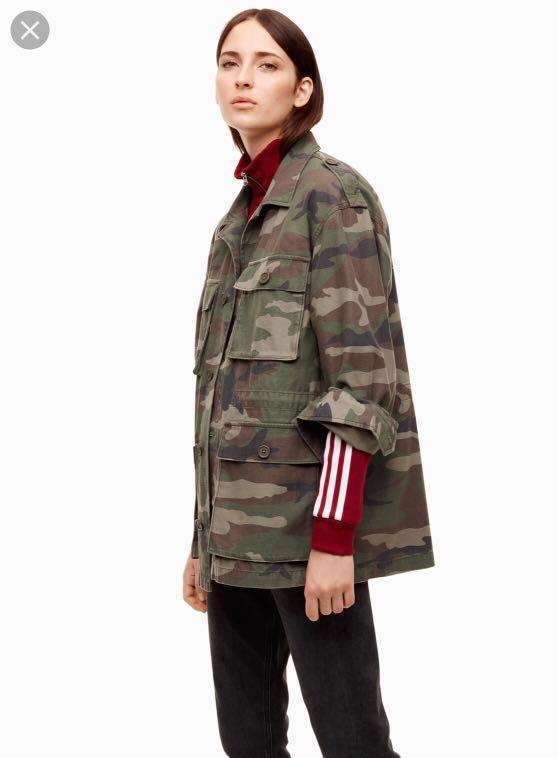 Aritzia TNA Camouflage Jacket
