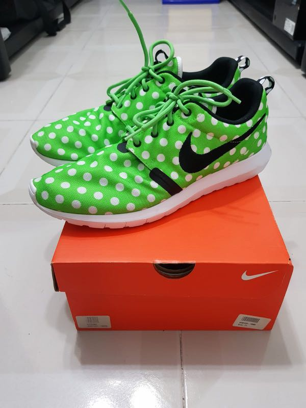 693741f4 Authentic Nike Roshe Run (US11), Men's Fashion, Footwear, Sneakers ...