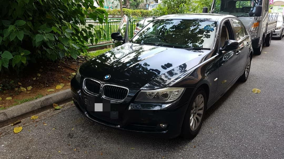BMW E90 320i facelift 2009 🇸🇬