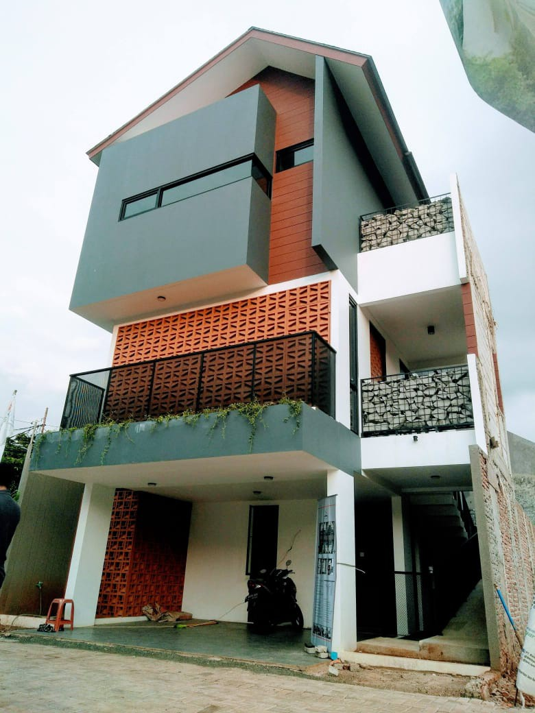 Cluster Mewah 3 lantai di Jagakarsa Jakarta Selatan