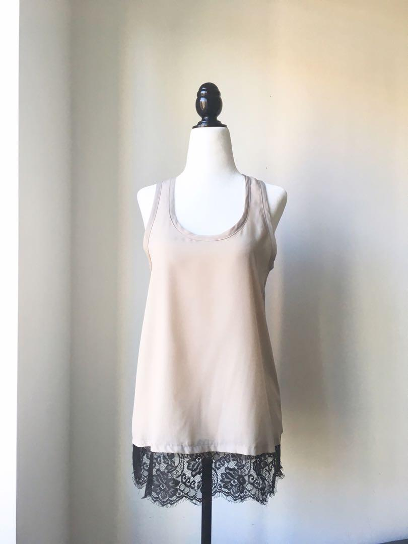 Mendocino beige dress top with blacks lace trim size small