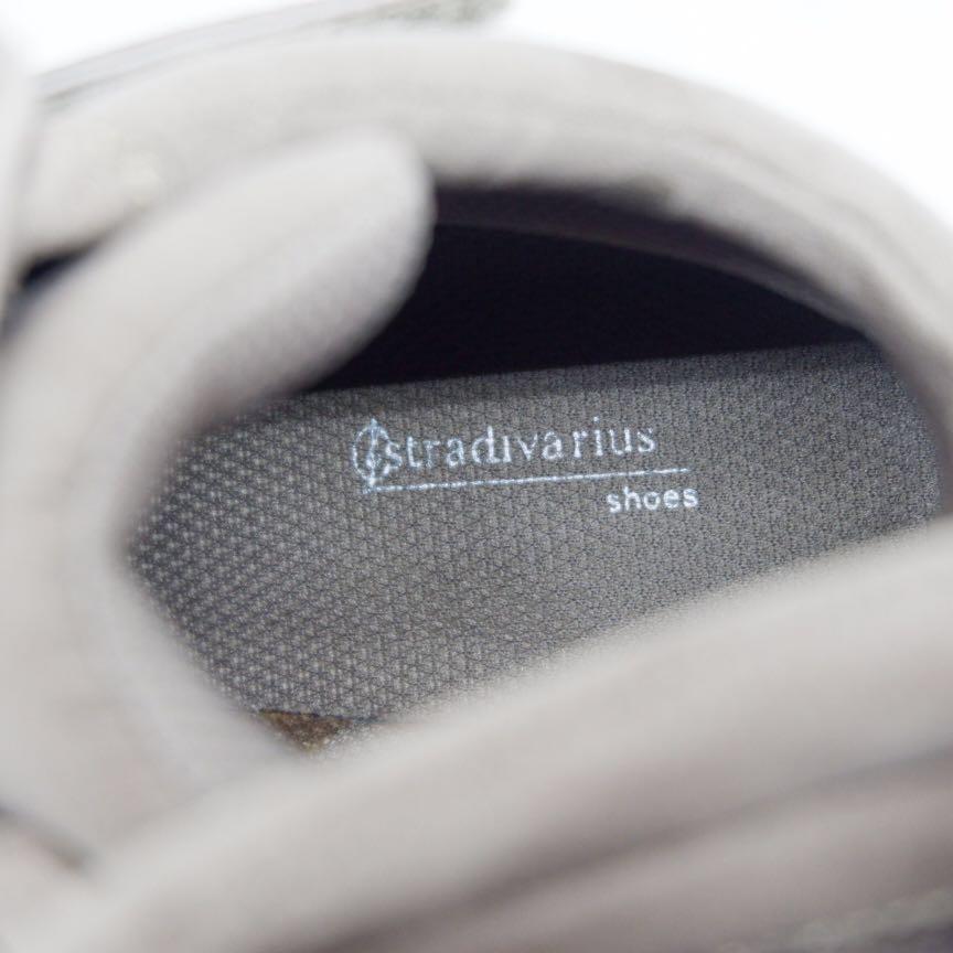 Preloved Sepatu Stradivarius