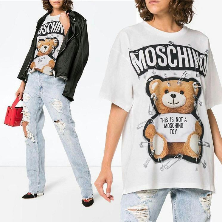 "READY Moschino Tee Oversize "" THIS IS NOT A MOSCHINO TOY "" Bear 🐻  Sz XXS sz XS Sz S || XXS measurement - LD = 52 P = 69 XS measurement - LD = 54 P= 71  S measurement - LD = 56 P = 73"