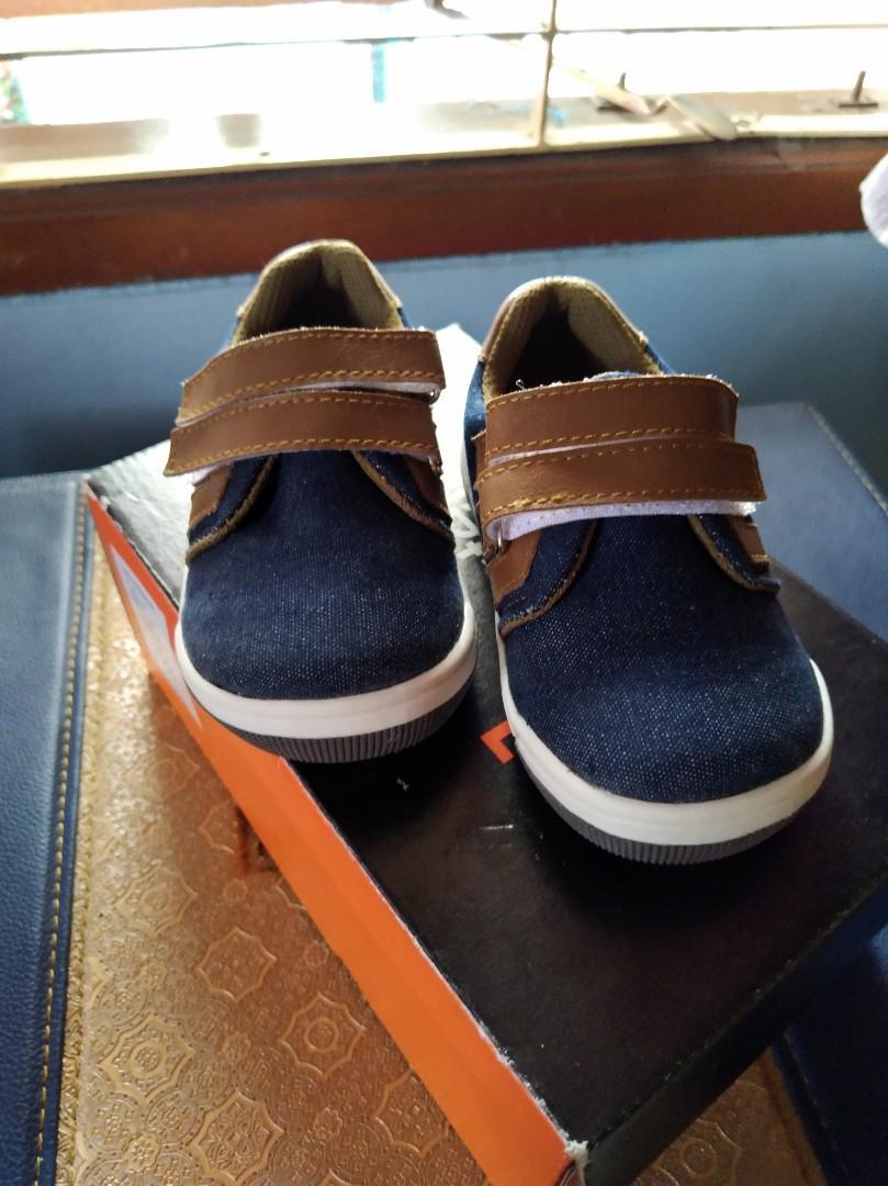 Sepatu anak donatello