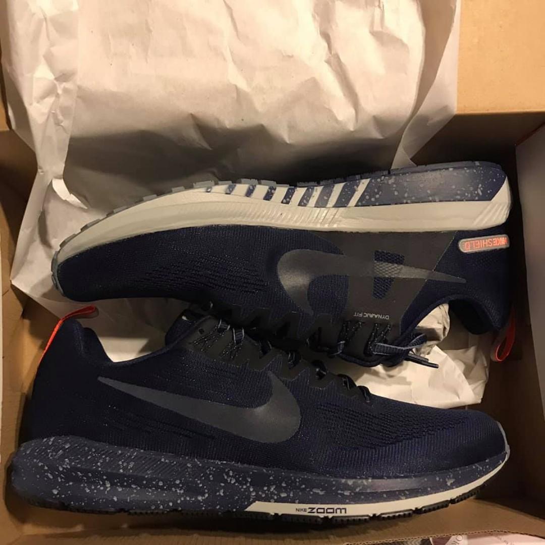Size 9 Men's Nike Shoes