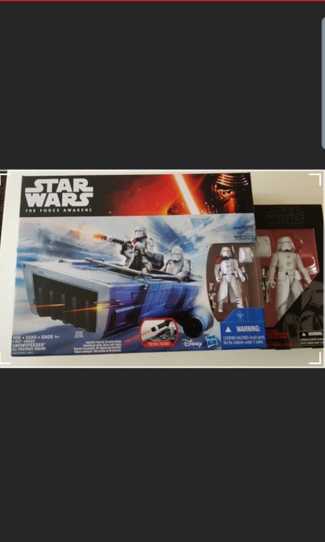 Star wars snowspeeder and figurine