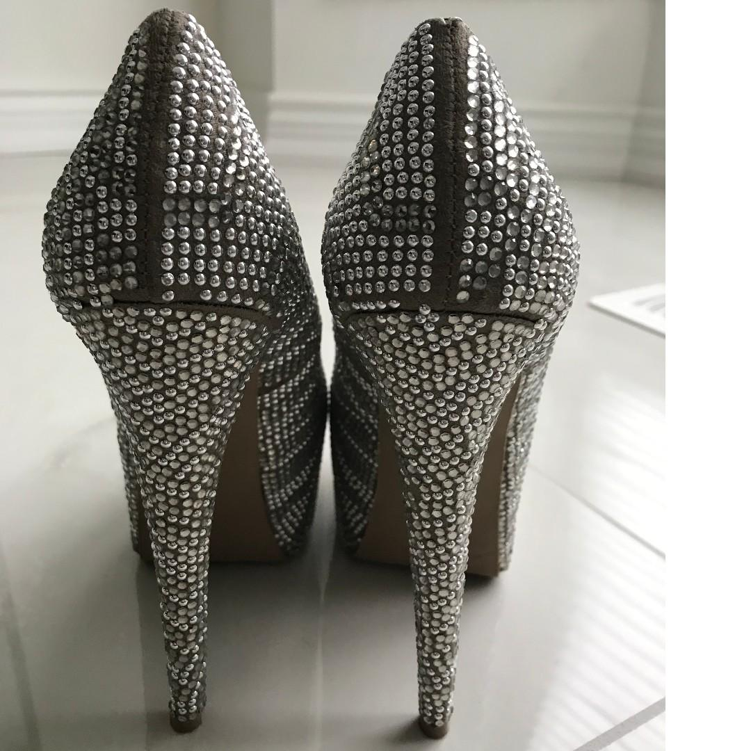 Steve Madden Dyvinal Pump (Pewter/Rhinestone) - Size 8