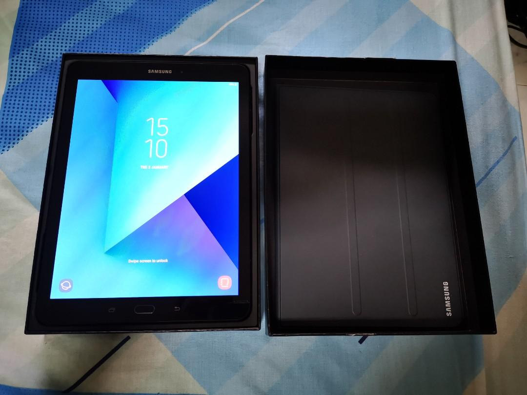 Very new Samsung tab s3 tablet with cover warranty not ipad