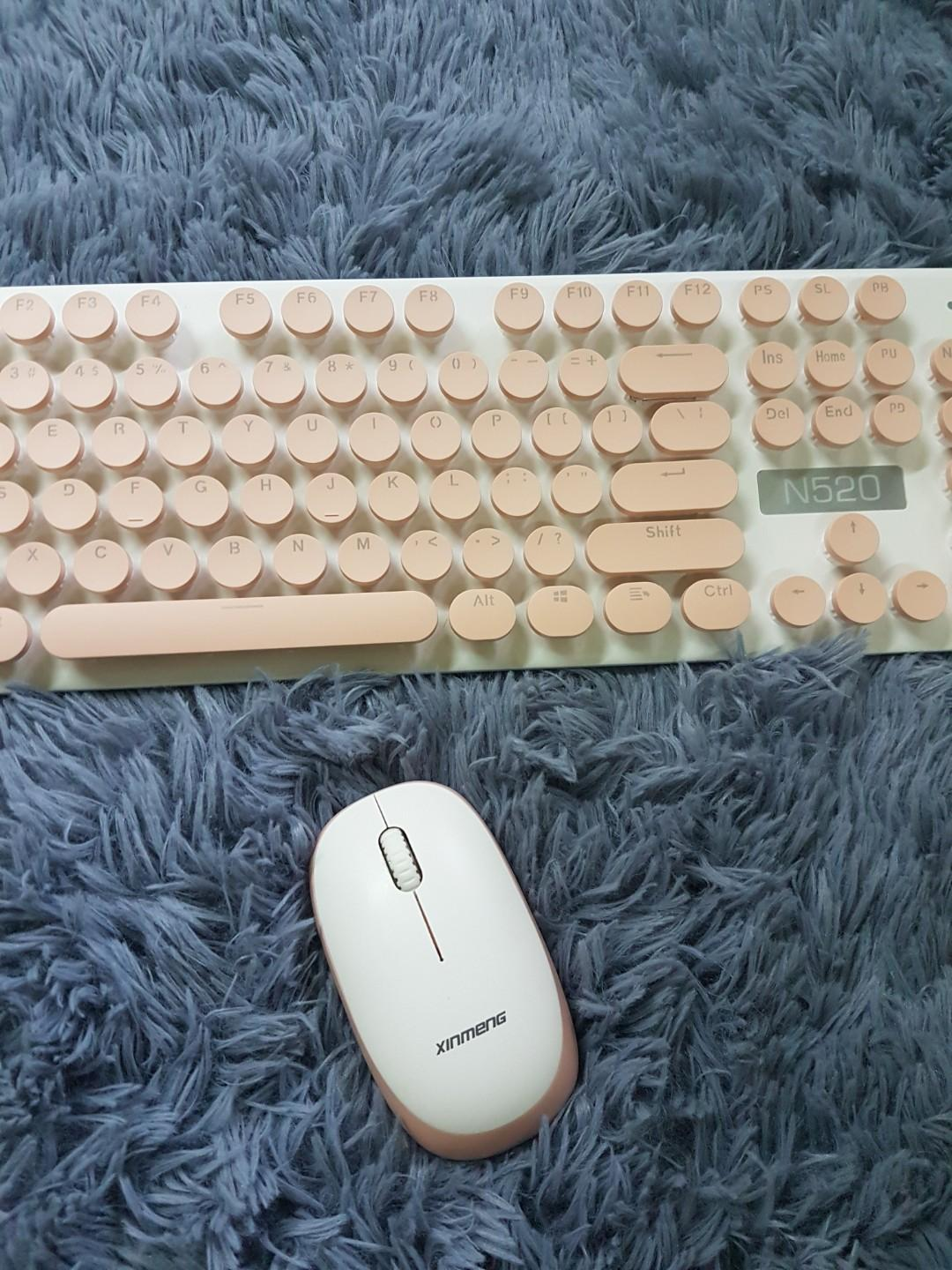 Wireless Typewriter Keyboard with Mouse