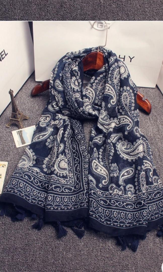 Women hijab/scarf