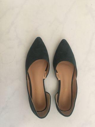 🚚 D+af 側邊鏤空 綠色平底鞋