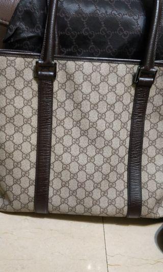 🚚 Gucci 中型 托特包 手把是皮質的 PVC材質防水 約95成新
