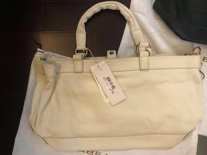 $350[👜💯%New and Real, 全新及正品 ] Rabeanco Leather White Hand bag(with strip) /白色真皮手袋 (有附肩帶)