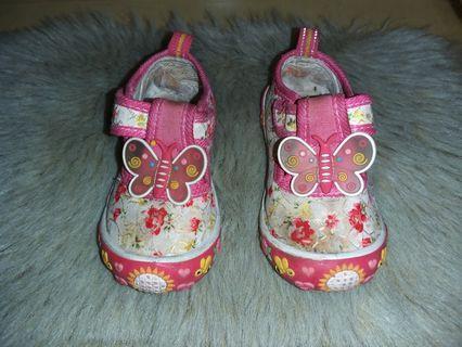 Sepatu Kickers Ori