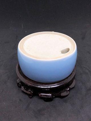 🚚 清代藍釉瓷硯台